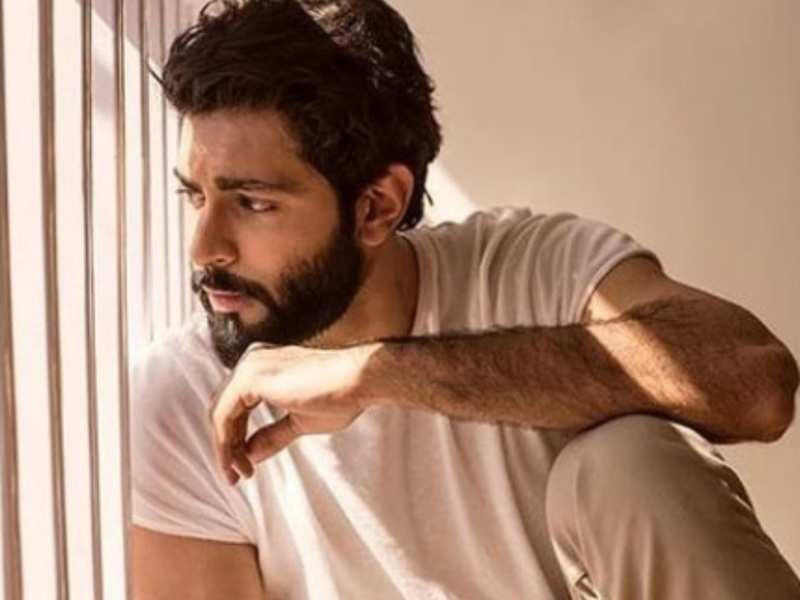 Anmol Thakeria Dhillon, Poonam Dhillon's son, ready for his 'quirky' debut  | Hindi Movie News - Times of India
