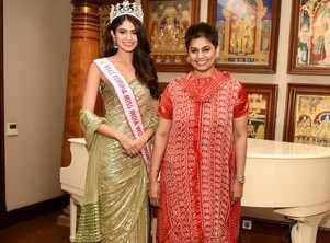 VLCC Femina Miss India World 2020 Manasa Varanasi catches up with Pinky Reddy