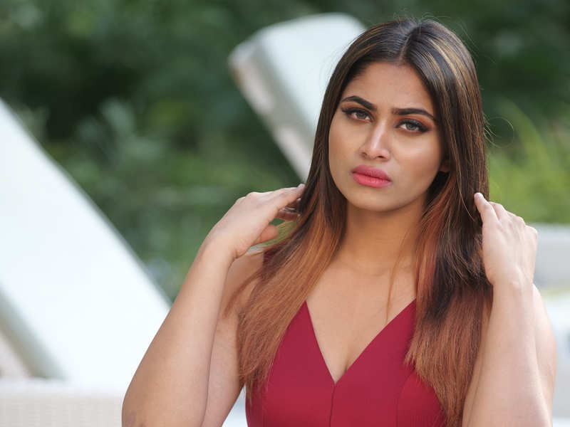 Bigg Boss Tamil 4: I'd love to do female-centric films, but I feel I'm too young for it, says Shivani