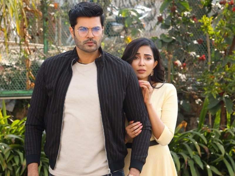 Exclusive! Ganesh Venkatram and Parvati Nair open up about their romantic thriller 'Un Paarvayil'
