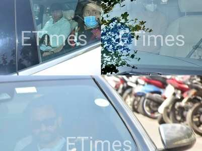 Saif & Kapoor family visit Bebo at hospital