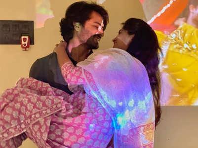 Shoaib wishes Dipika on 3rd wedding anniv.