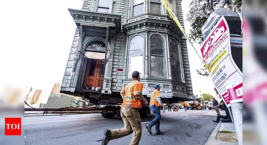 139-year-old house rolls to new San Francisco address - Times of India