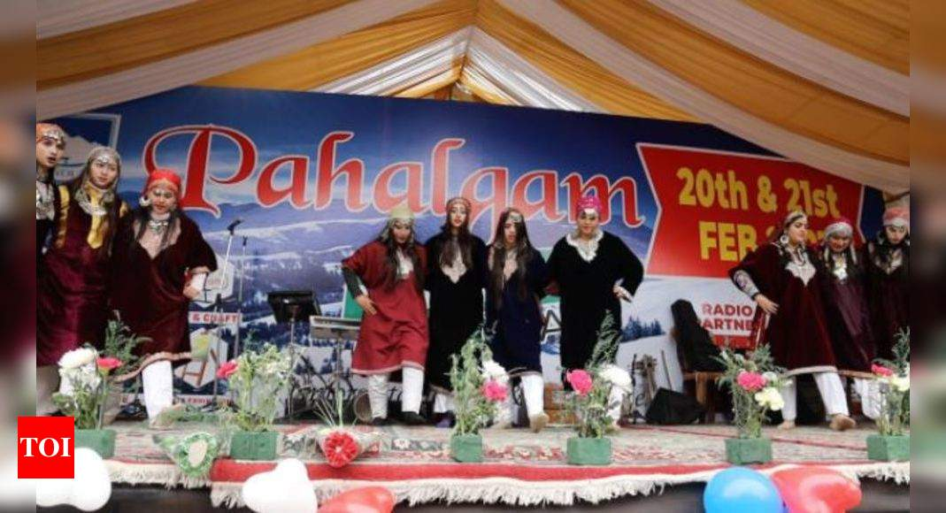 , Valley pulls packed crowd at Pahalgam winter carnival, The World Live Breaking News Coverage & Updates IN ENGLISH
