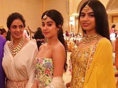Sridevi's pics with Janhvi & Khushi