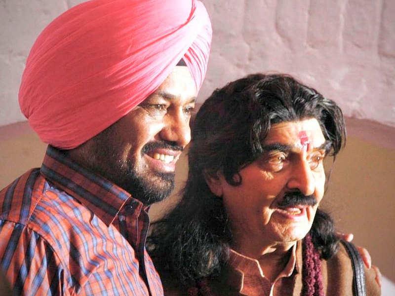 Veteran actor Asrani embarks on the journey of his debut Punjabi movie