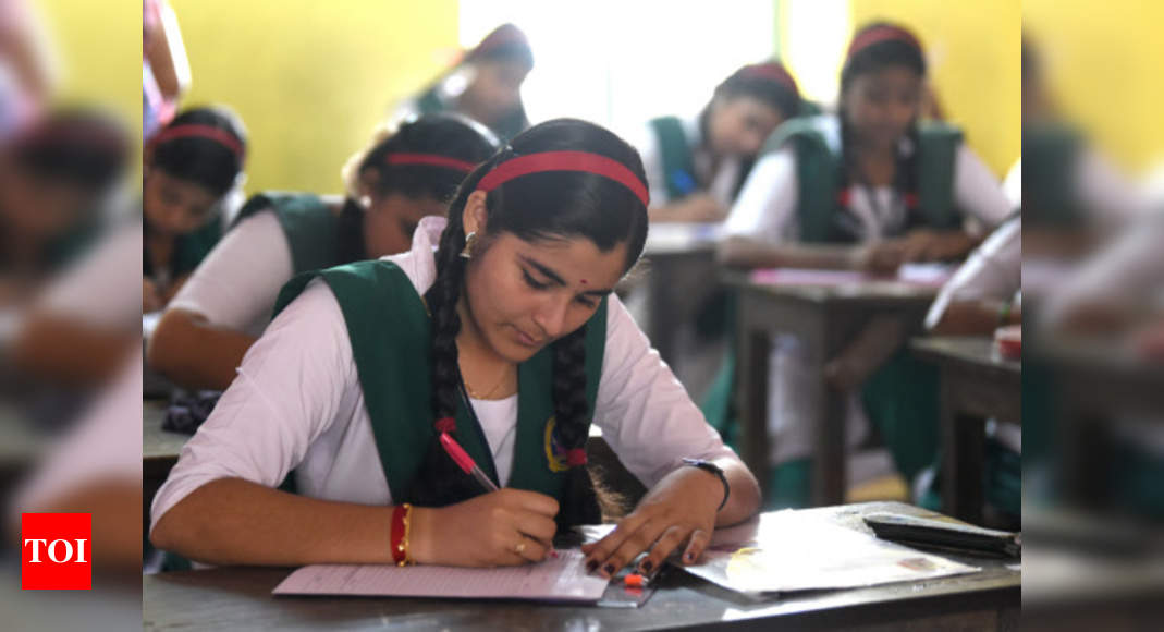 AP govt to implement CBSE system for classes 1 to 7 in its schools from 2021-22 – Times of India