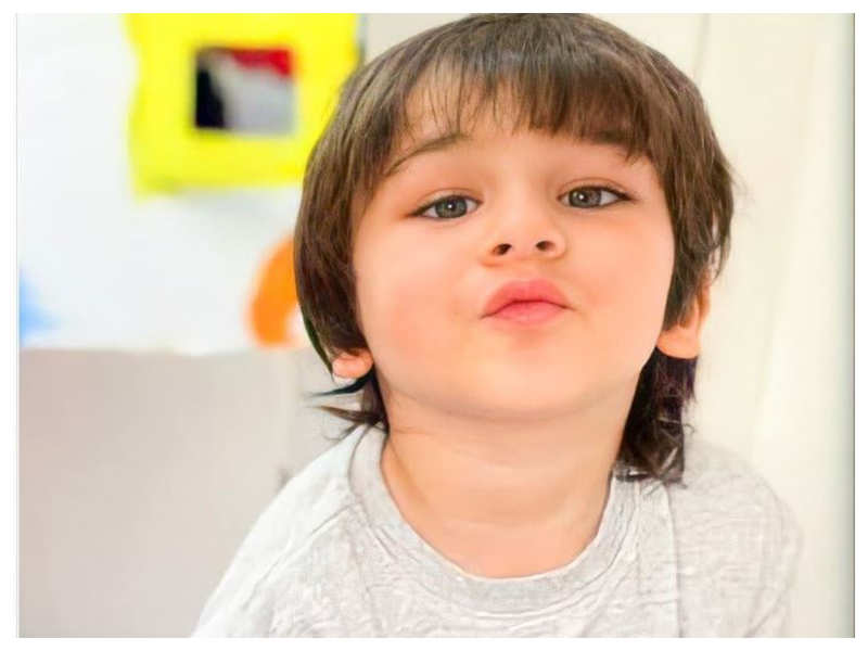 Taimur Ali Khan gives tough competition to mommy Kareena Kapoor Khan with his perfect pout