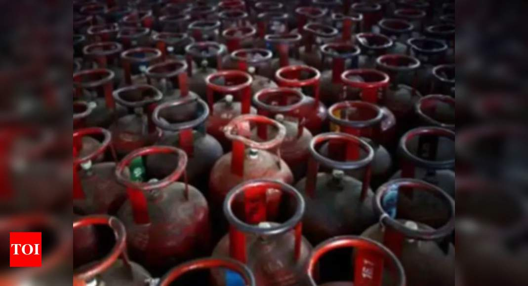 After Rs 25 hike, LPG refill price up Rs 100 in Feb