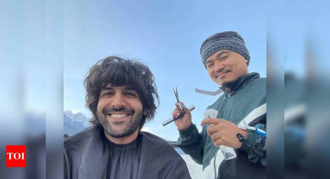 Photo: Kartik Aaryan gets a haircut in Manali