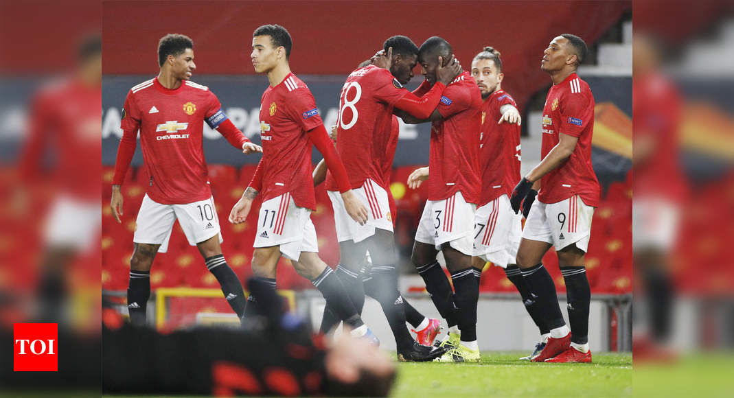 Manchester United stroll into Europa League last 16