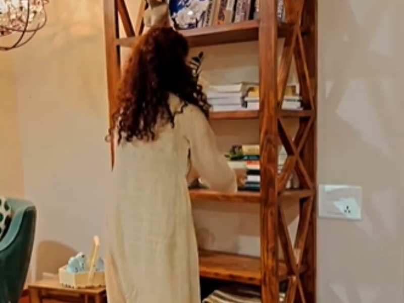 Kangana Ranaut decorates her brother's place after a busy day; says 'woman with nine hands is not a myth