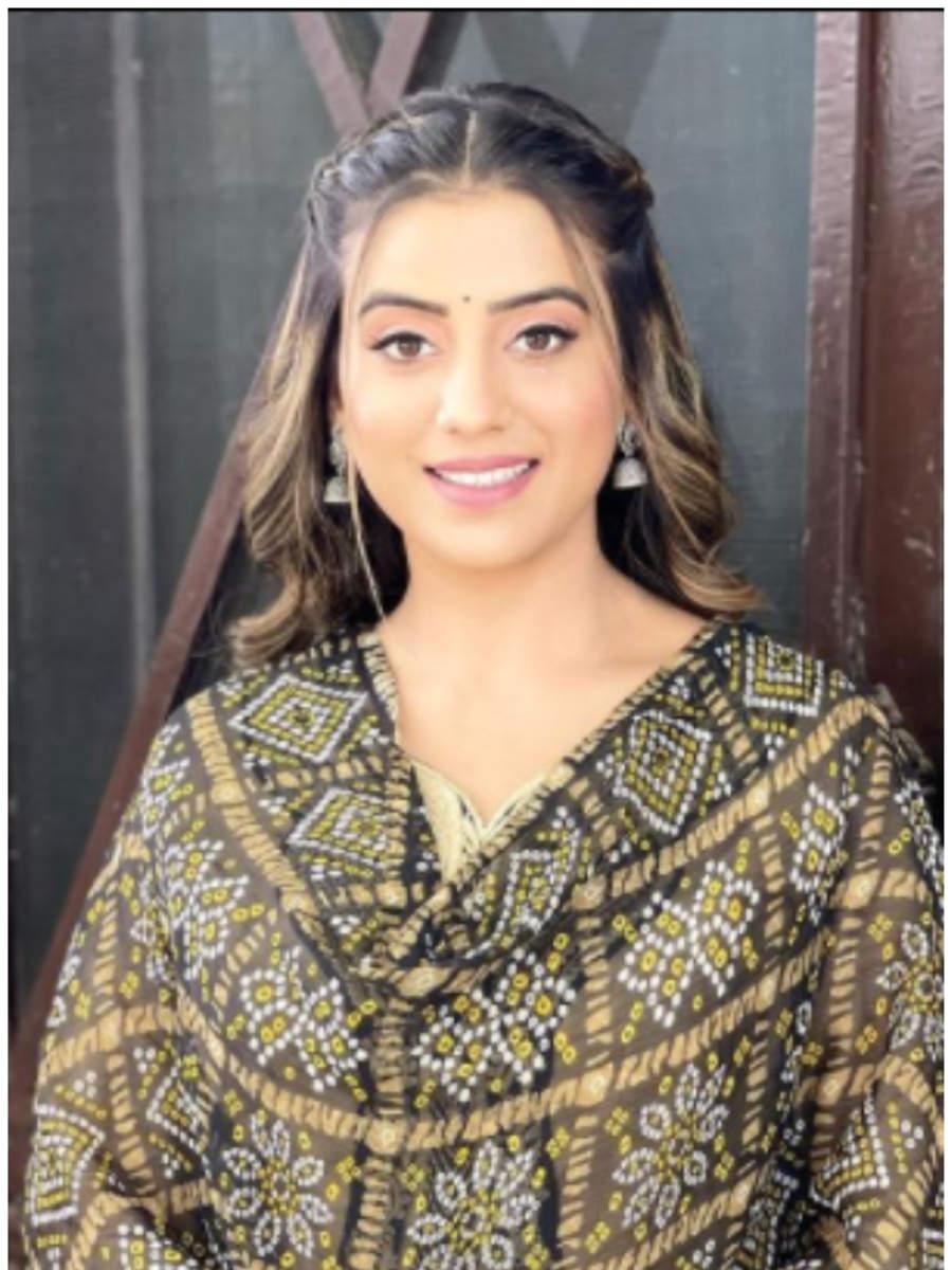 Akshara Singh's Bhojpuri you should not miss