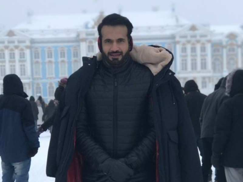 Irfan Pathan joins Vikram in Russia for the last schedule of 'Cobra'