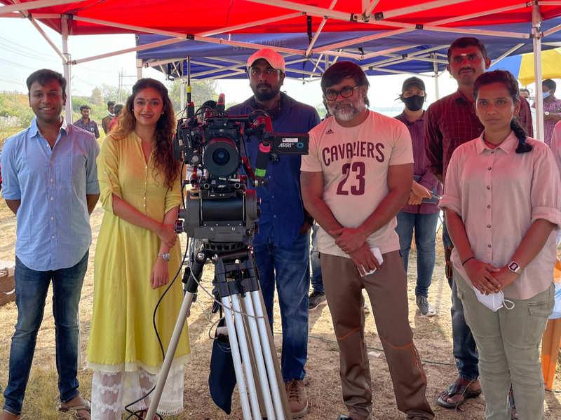 Keerthy Suresh & Selvaraghavan start shooting for Saani Kaayidham