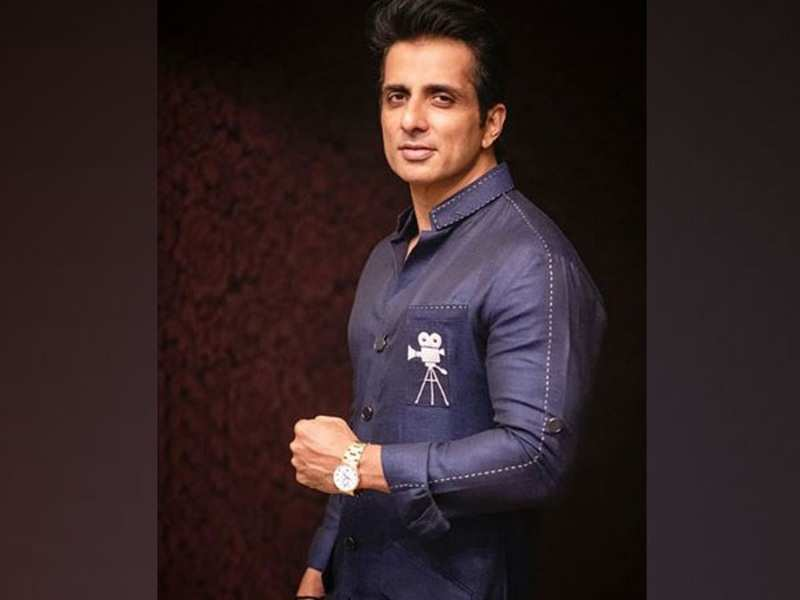 Sonu Sood helps Jhansi villagers, promises to tackle water scarcity by installing handpumps