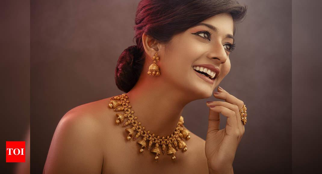 4 ways to style heritage jewellery