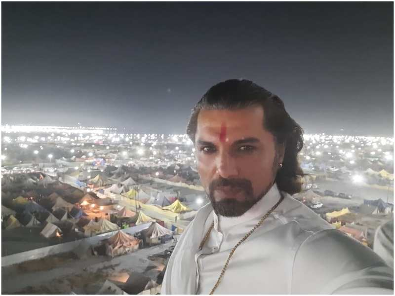 Actor Chetan Hansraj, along with other two crew members of Mann Ki Awaaz Pratigya 2 were attacked with a swarm of bees on Friday in Prayagraj (BCCL)