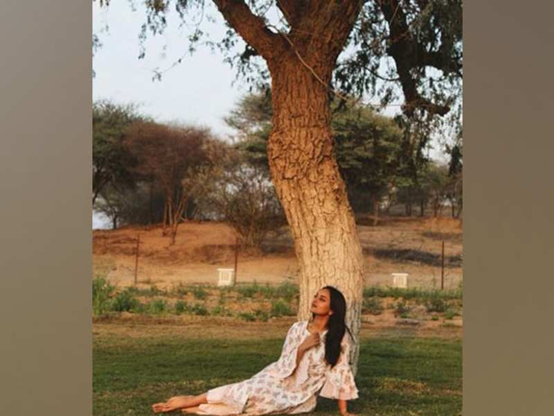 Sonakshi Sinha channels her nature love with weekend thoughts