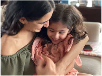 Sara shares an adorable pic with Inaaya