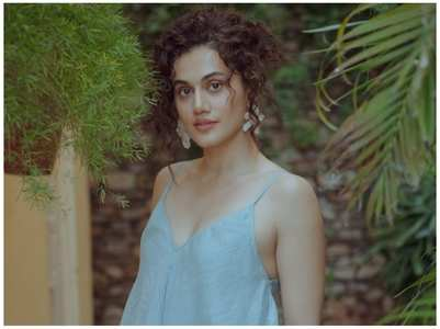 Taapsee Pannu celebrates 1 year of Thappad