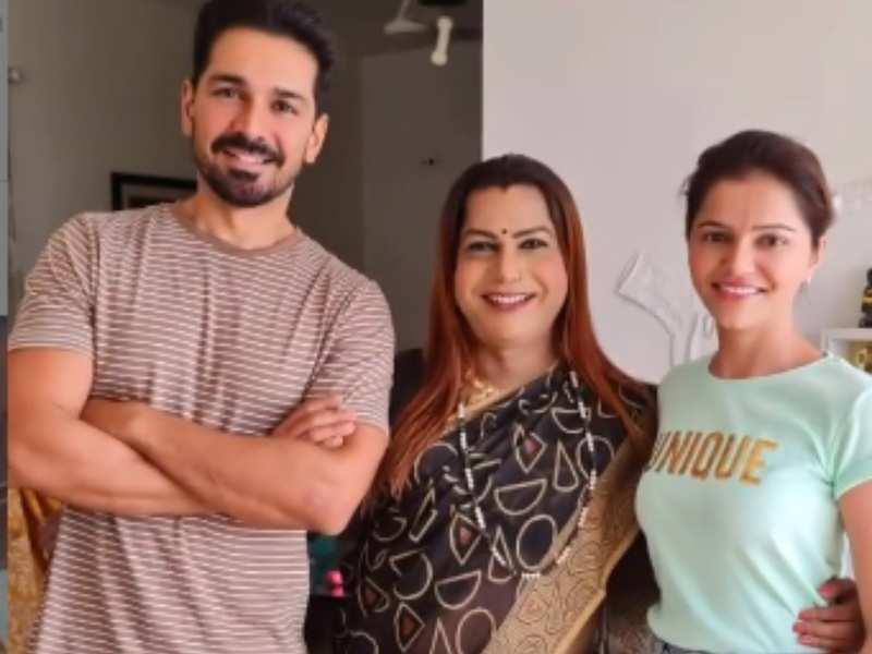 Rubina Dilaik receives blessings from Guru ma of kinnar samaj after winning Bigg Boss 14; shares video of welcoming them at home
