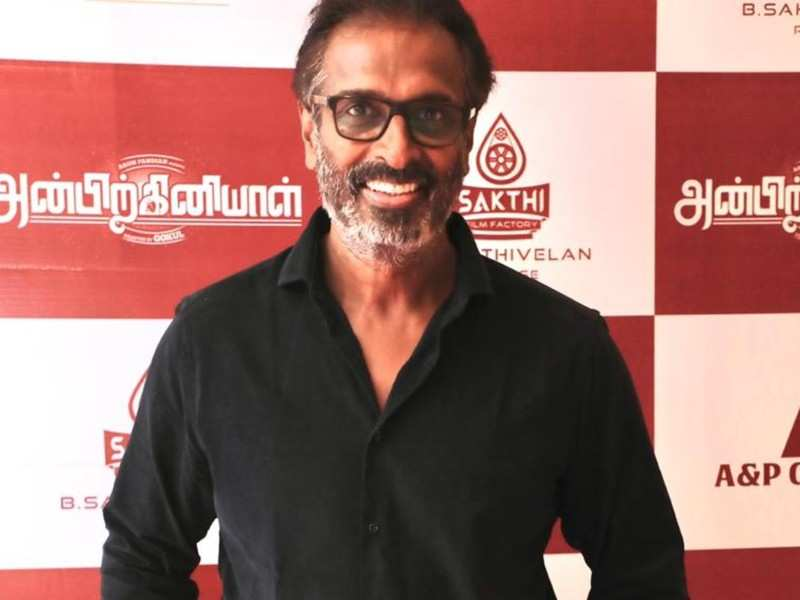 Arun Pandiyan on working with his daughter and his comeback after 18 years with 'Anbirkiniyal'