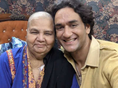 Vikas compares Rakhi's mother to Halle Berry