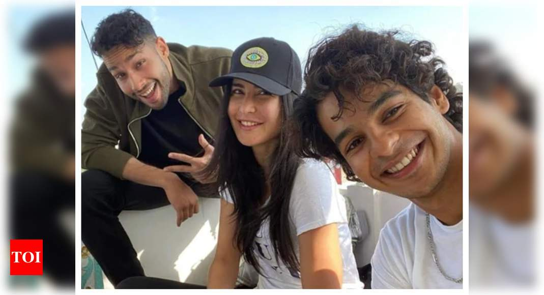 Katrina Kaif is having fun with Ishaan Khatter and Siddhant Chaturvedi on the sets of 'Phone Bhoot' and her latest Insta-story is proof! – Times of India