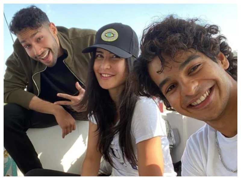 Katrina Kaif is having fun with Ishaan Khatter and Siddhant Chaturvedi on the sets of 'Phone Bhoot' and her latest Insta-story is proof!