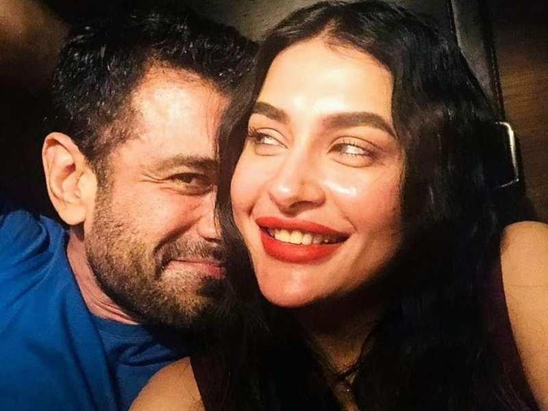 Bigg Boss 14 fame Eijaz Khan shares romantic photos with Pavitra Punia; she says, 'I love you, Khansaab'