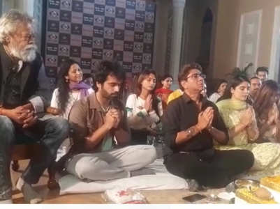 Pooja, Arhaan attend 'havan' for Pratigya 2