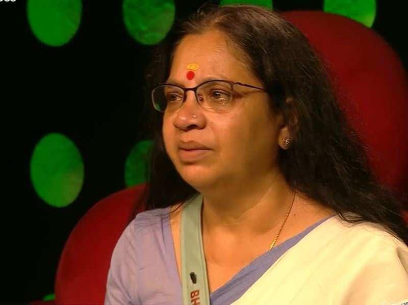 Bigg Boss Malayalam 3: Bhagyalakshmi has an emotional breakdown; Bigg Boss gives her a pep talk