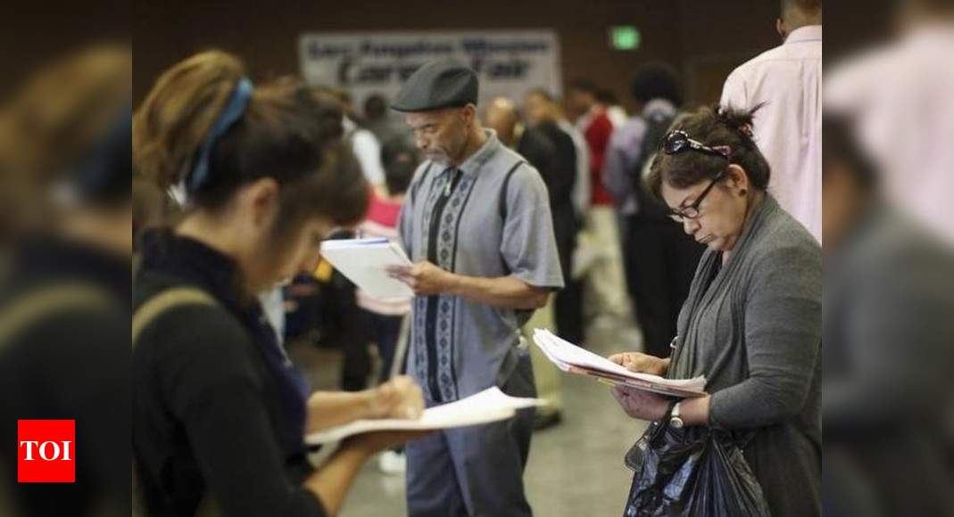 US jobless claims top 700,000