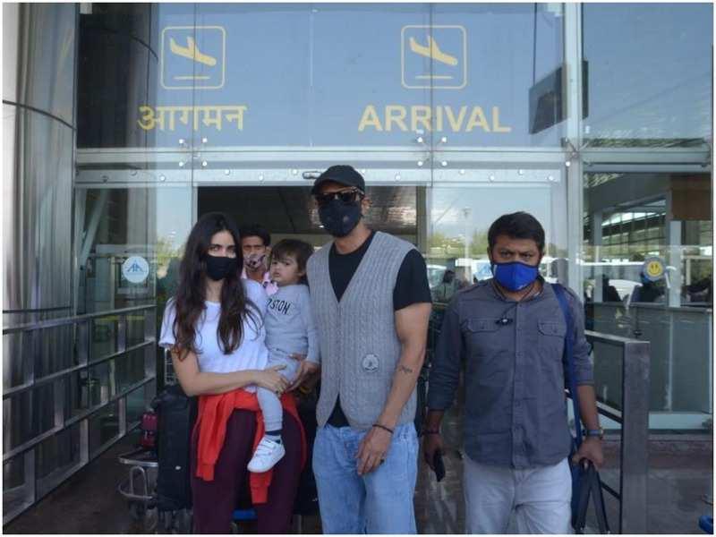 Arjun Rampal with his family at Jaipur airport