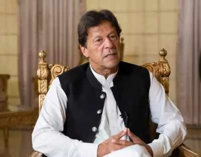 Pak PM Imran Khan lashes out at Opposition for making mockery of democracy  - Times of India
