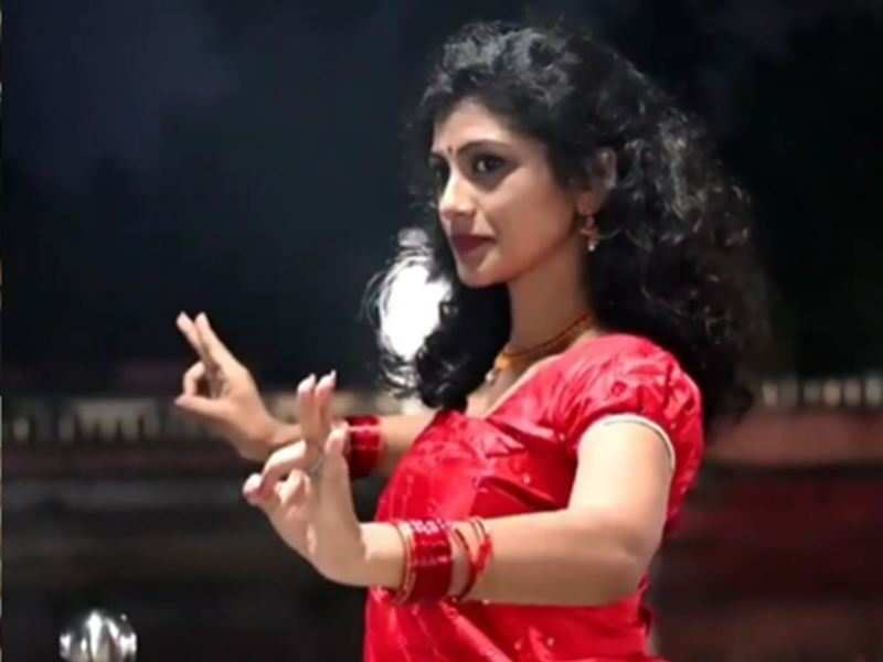 Did you know Chakkappazham's Shruthi Rajanikanth is a good dancer too?