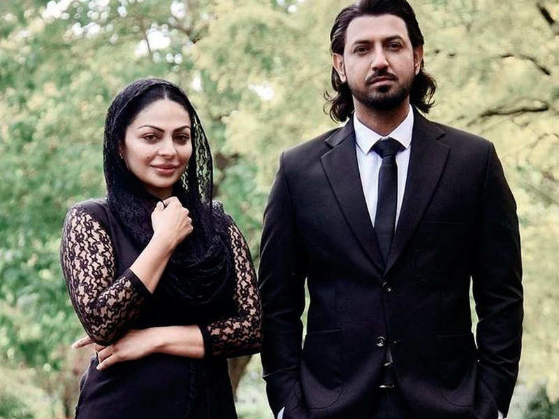 Paani Ch Madhaani: Here's Neeru Bajwa and Gippy Grewal's look from the movie