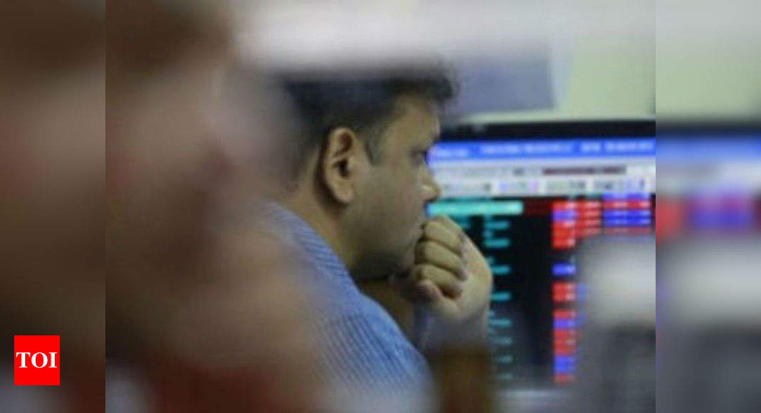 Sensex plunges 441 points on US bond yield worries; Nifty settles below 14,950