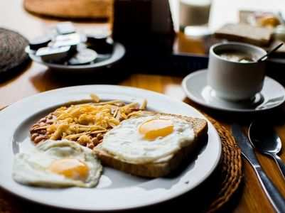 Breakfast vs. lunch: When to eat maximum calories?
