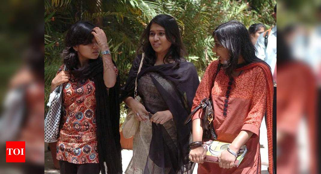 Another Pakistan university introduces dress code for girls – Times of India