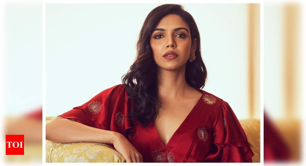 Women's Day 2021! Shriya Pilgaonkar: Women are natural leaders and it excites me to see a film set run by - Times of India