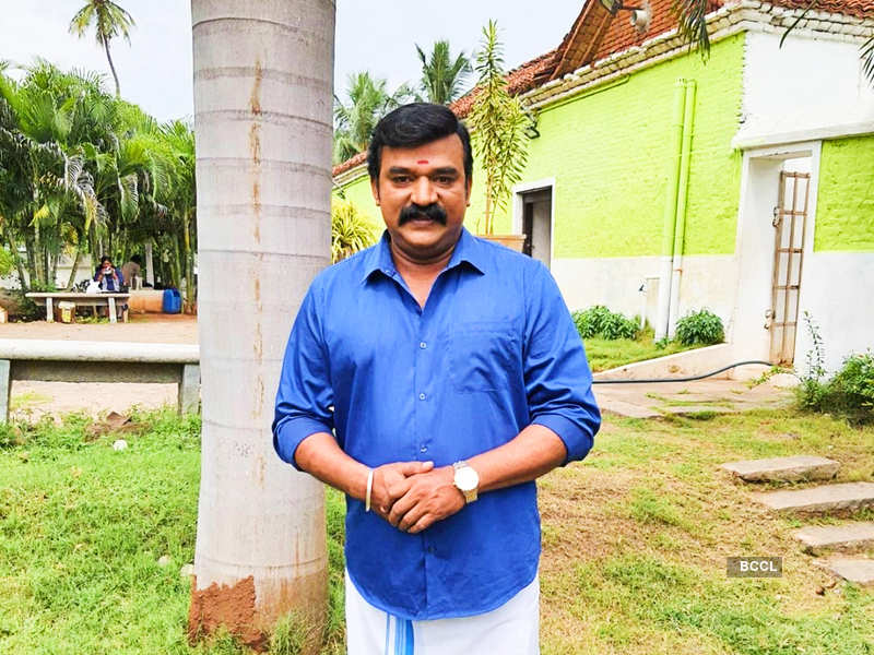 Pandian Stores actor David Solomon Raja leaves his female co-stars impressed with his culinary skills (Photo - Instagram)