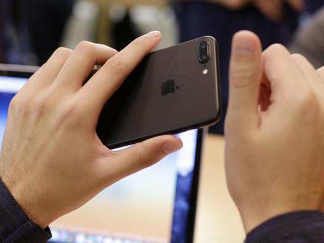 The Apple iPhone could get new camera, Face ID features