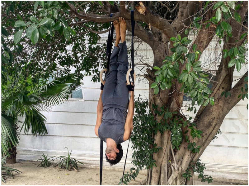 When Sidharth Malhotra took the literal meaning of the words 'hang' and 'out'