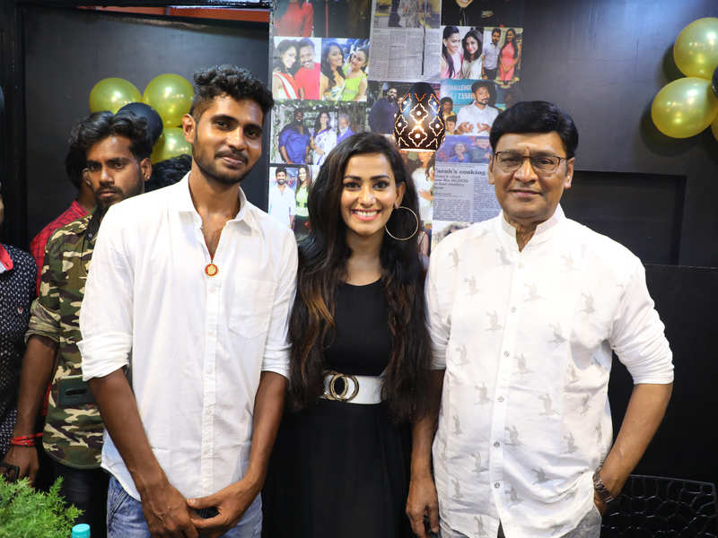 Sanjana shines at her restaurant launch in the city