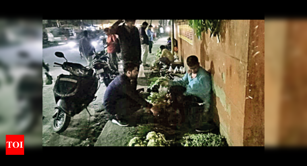 Street vendors in city want a govt that helps them carry out their biz | Guwahati News – Times of India