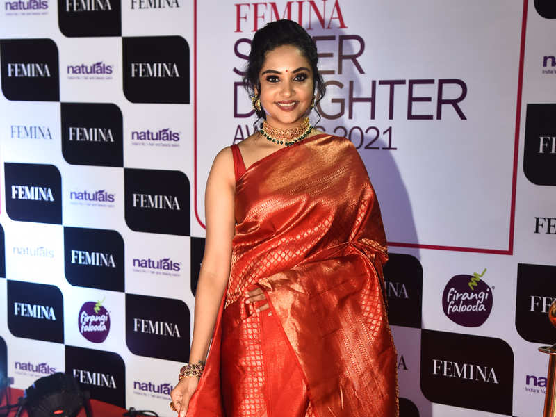Smruthi Venkat glitters at this event