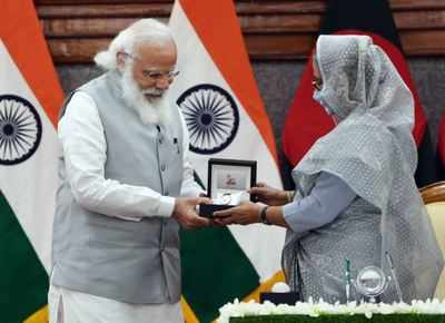 Delhi Accords, Dhaka ink 5; Hasina promotes the Teesta pact | India News
