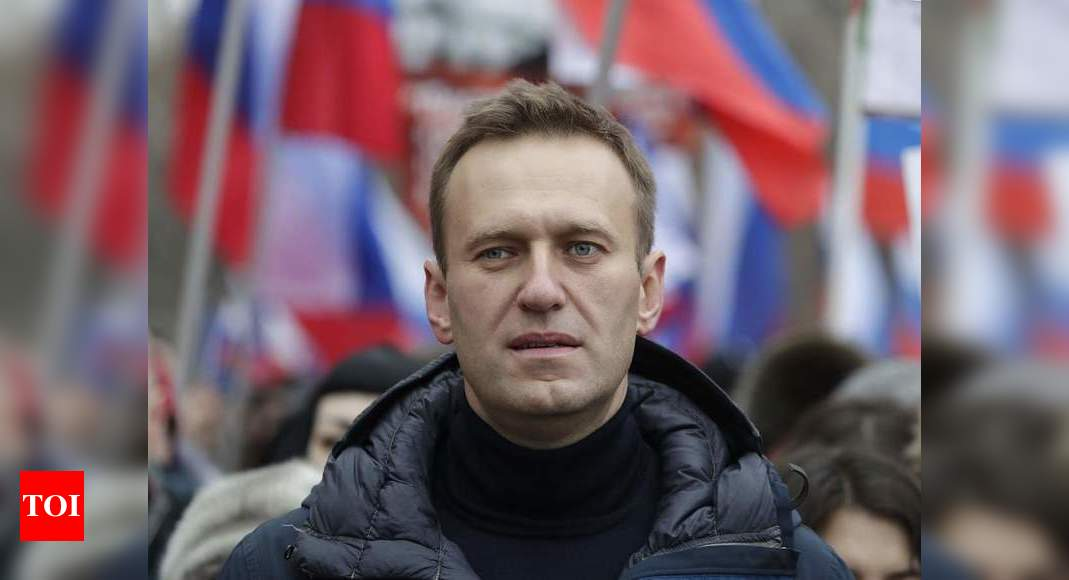 Jailed Kremlin critic Navalny asks for painkiller injections – Times of India